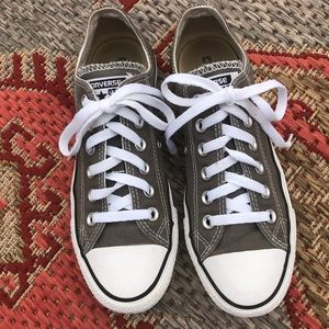 All star Converse tennis shoes
